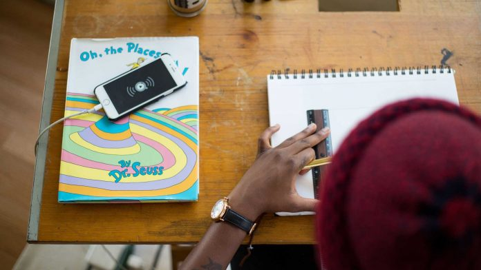 Tips-to-Choose-the-Best-Mobile-Phone-Deals-&-Plans-for-Students-on-americasbestblog
