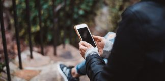 Things-to-Know-About-Mobile-Phone-Plans-SIM-Only-on-americasbestblog