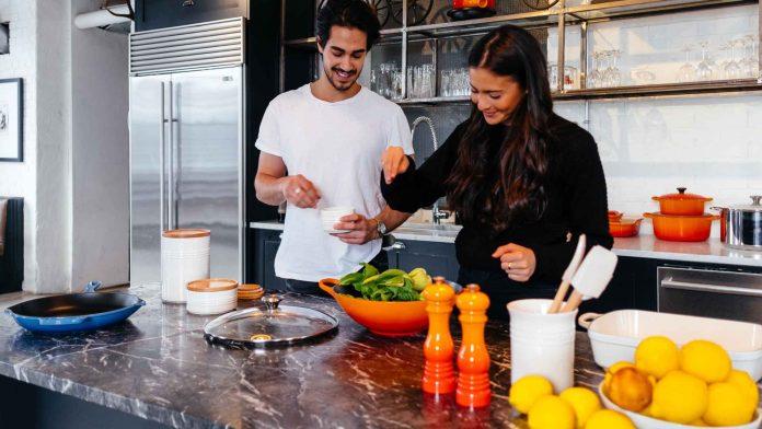 Tips-to-Save-Bucks-from-Kitchen's-Frugal-Minimalist-on-americasbestblog