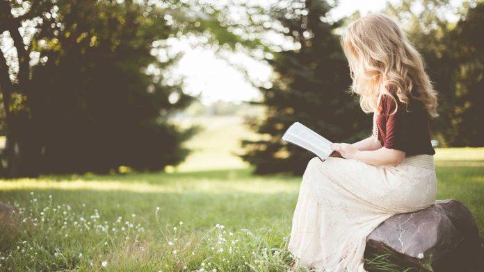 Top-3-Best-Mindfulness-Meditation-Book-for-Beginners-on-americasbestblog