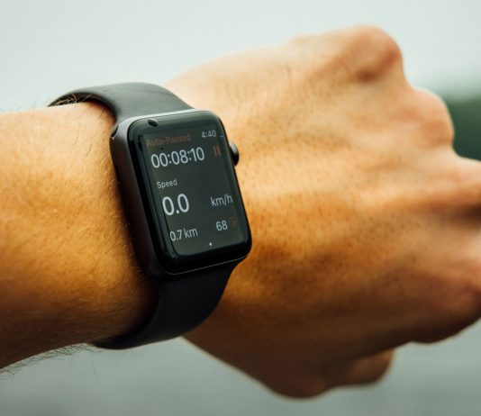 Everything-You-Need-to-Know-About-Buying-a-Smartwatch-on-americasbestblog