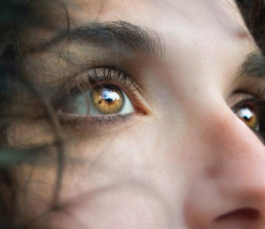 Simply-Best-Ways-to-Remove-Under-Eyes-Wrinkle-on-AmericasBestBlog