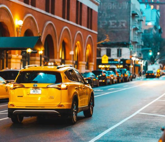 Summer-Days-Why-You-Should-Use-a-Limo-Service-on-americasbestblog